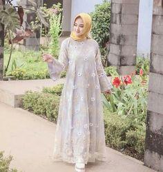 Muslimah Clothing, Hijab Fashion, Women's Fashion, Hijab Dress Party, Hijab Wear, Kebaya Muslim, Brokat, Wedding Invitation, Dream Wedding