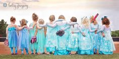 Little Girls' Softball League Empowers Others with Frozen-Themed Team Photo - My Modern Met