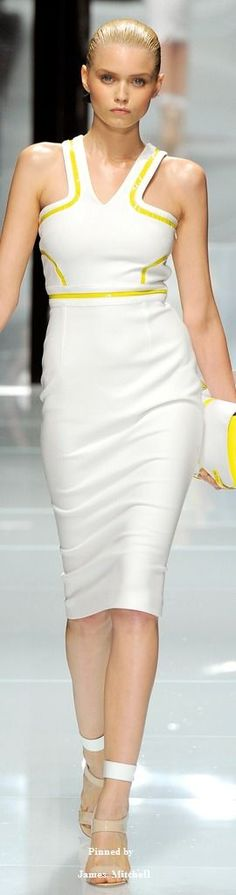 Versace Spring 2011 Ready-to-Wear