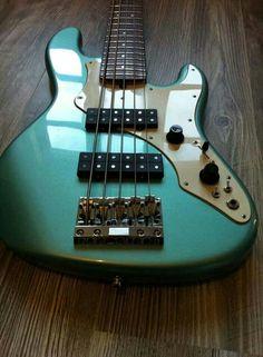 Fender Roscoe Beck
