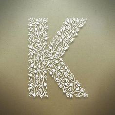 Botanical Alphabet on Typography Served wär das schön für Konrad Alphabet Design, Letter Designs, Quilling Letters, Paper Quilling, Creative Lettering, Lettering Design, Paper Art, Paper Crafts, Graphisches Design