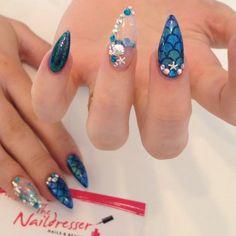 Video Aquarium Nails by @thenaildresser #aquariumnails