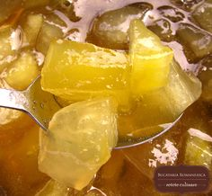 dulceata de pepene galben Romanian Food, Snack Recipes, Snacks, Preserves, Pickles, Potato Salad, Jelly, Good Food, Chips