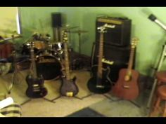 John Cougar Play guitar - YouTube