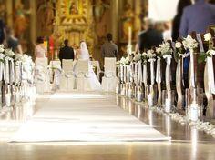 Romantyczna biel – dekoracja Kościoła w Biechowie Ceremony Decorations, Table Decorations, Church Decorations, Pew Markers, Church Flowers, Church Wedding, Altar, Wedding Planning, Wedding Ideas