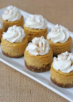 Mini Pumpkin Cheesecake – Glorious Treats. This delicious mini pumpkin cheesecake recipe can be also be made into one large cheesecake. Thanksgiving Desserts, Fall Desserts, Just Desserts, Delicious Desserts, Dessert Recipes, Yummy Food, Thanksgiving Sides, Dinner Recipes, Pumpkin Cheesecake Recipes