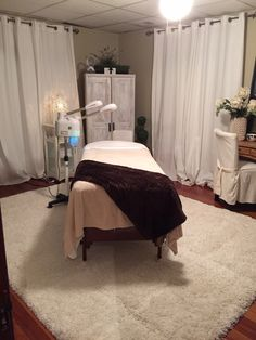 Just click the link for more information esthetician programs Massage Room Decor, Massage Therapy Rooms, Spa Room Decor, Home Spa Room, Spa Rooms, Facial Room, Esthetics Room, Spa Treatment Room, Reiki Room