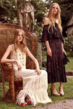 http://www.vogue.com/fashion-shows/resort-2017/roberto-cavalli/slideshow/collection