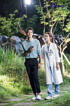 RR: Dakteoseu) is a 2016 South Korean television series starring Park Shin-hye and Kim Rae-won. It airs every Mondays and Tuesdays at (KST) on SBS starting June Doctors Korean Drama, Kdrama, Kim Rae Won, Romantic Doctor, Korean Drama Series, Good Comebacks, Drama Fever, Lee Sung Kyung, Weightlifting Fairy Kim Bok Joo
