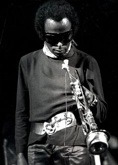 MILES DAVIS - From my personal Tumblr Page : lysergicfunk.tumblr.com Jazz Artists, Jazz Musicians, Miles Davis, Man Of Mystery, Nina Hagen, Soul Jazz, Vintage Black Glamour, Miles To Go, Music Pics