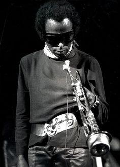 MILES DAVIS - From my personal Tumblr Page : lysergicfunk.tumblr.com Jazz Artists, Jazz Musicians, Miles Davis, Nina Hagen, Soul Jazz, Vintage Black Glamour, Miles To Go, Music Pics, T Art