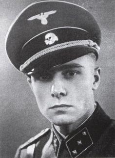 Bundesarchive Photos 1933 - all fields of WWII - Page 423 Joachim Peiper, German Soldiers Ww2, German Army, Luftwaffe, Ww2 Uniforms, Germany Ww2, Military Men, Portraits, World War Two