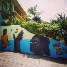 Went for a stroll in #Grenada and came across this powerful ocean inspired wall painting! ???? Artist: @aaronglasson I hope this painting will trigger many bypassing people to rise against plastic! Great efforts are being made but the awareness level of the harmful effects of plastic are still low amongst the people I've been meeting. Literally on the other side of the street I saw a girl throwing her empty plastic bottle in the bush before hopping on the bus. Straws and plastic bags are…