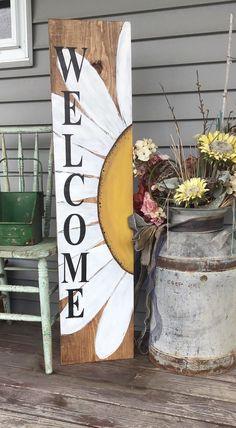 Welcome Porch Sign- online workshop – Studio 527 Welcome Signs Front Door, Wooden Welcome Signs, Front Porch Signs, Diy Wood Signs, Wall Signs, Painted Boards, Painted Signs, Diy Porch, Pallet Art