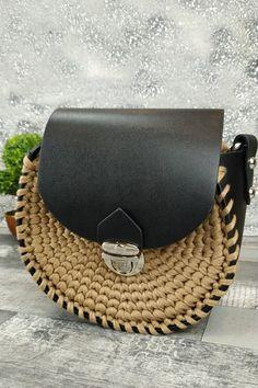 Τσαντάκι χειροποίητο πλεκτό 'Eva' Μπεζ Womens Purses, Saddle Bags, Cowboy Hats, Fashion, Moda, Western Hats, Fasion, Fashion Illustrations, Fashion Models