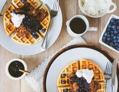Salty fried chicken slathered in sweet bourbon maple syrup, topped with a delicious blueberry compote and fresh whipped cream? Bourbon Maple Syrup, Sweet Bourbon, Pinic Table, Buttermilk Waffles, Blueberry Compote, Chicken And Waffles, Summer Diy, Fried Chicken, Whipped Cream