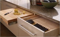 // Knife Block drawer and pull-out Chopping Block