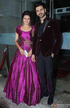 Pics: Divyanka Tripathi-Vivek Dahiyas Wedding Reception In Mumbai