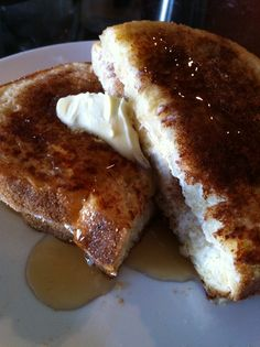 THINK CINNAMON BUN MEETS FRENCH TOAST! This is super easy to make for one and perfect for a late night sweet craving! The sprinkled cinnam...