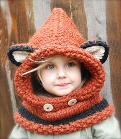 I so want an adult version of this, soo cute! Ravelry: Failynn Fox Cowl pattern by Heidi May