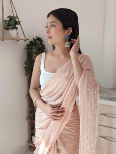 Indian Bridal Outfits, Indian Bridal Fashion, Organza Saree, Georgette Sarees, Saree Sale, Saree Floral, Indian Gowns Dresses, Saree Trends, Stylish Sarees