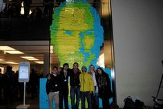 Steve Jobs Tribute Created Using 4001 Post-It Notes (Munich Apple Store)