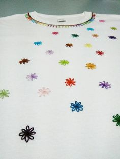 T-shirt hand embroidered stars, handmade embroidery, women shirt, colorful stars, gift for her T-Shirt handbestickt Sterne handbestickt Damen Hand Embroidery Videos, Hand Work Embroidery, Flower Embroidery Designs, Embroidery For Beginners, Embroidery Hoop Art, Embroidery Stitches, Sewing Clothes, Diy Clothes, Dress Neck Designs