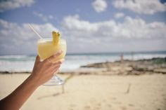 This Pina Colada recipe from our Cocktails collection has no added sugar, which makes it more diabetic friendly. It's a good Sugar Free Pina Colada recipe. Como Fazer Pina Colada, Mojito, Porto Rico, Healthy Cocktails, Alcoholic Cocktails, Refreshing Cocktails, Diet Drinks, Pineapple Juice, Cocktail Recipes