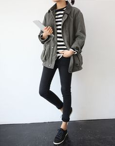What do you think about comfortable outfits? Oversized sweaters, long cardigans and loose pants has never been so popular. Let's find out which outfit idea do you like more. Source by marte_davis outfits Street Style Outfits, Looks Street Style, Mode Outfits, Casual Outfits, Comfortable Outfits, Fashion Outfits, School Outfits, Jackets Fashion, Casual Attire
