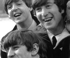 Find images and videos about the beatles, beatles and john lennon on We Heart It - the app to get lost in what you love. Beatles Guitar, Beatles Band, The Beatles, John Lennon, Paul Mccartney Ringo Starr, We Heart It, Beatles Photos, Psychedelic Rock, The Fab Four