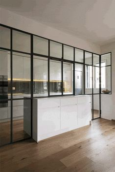 Windows and doors for kitchen Kitchen Room Design, Modern Kitchen Design, Home Decor Kitchen, Interior Design Kitchen, Home Kitchens, Style At Home, Küchen Design, House Design, Semi Open Kitchen