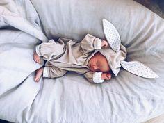 Trött och less   Nadja Mayr Nadja, Fashion Kids, Baby Pictures, Cute Babies, Barn, Mood, Clothes, Outfits, Converted Barn