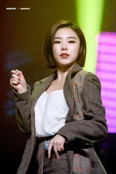"""tune concert ♡ 171121 © mambosip (editing allowed, do not remove the logo) "" Asian Short Hair, Girl Short Hair, Hair Girls, Kpop Girl Groups, Kpop Girls, K Pop, Wheein Mamamoo, Hair Reference, Soyeon"