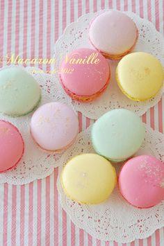 Macaron vanille : Fran cafe☆+・..・.・