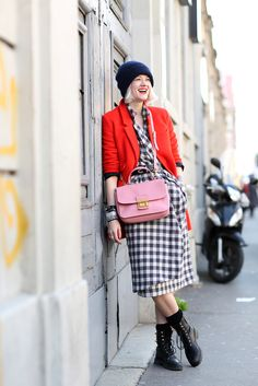 Paris Fashion Week Street Style - French-Girl Outfits