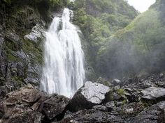 日本に残る秘境、大瀑布の絶景を独り占めする旅 ~千尋の滝(奈良県上北山村)