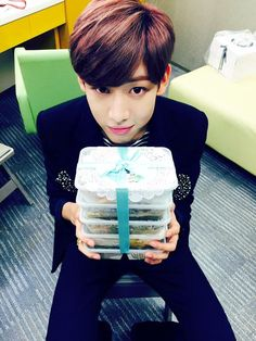 Bambam looking all cute ^^
