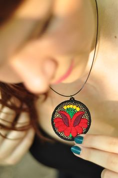 Nagy kalocsai virág mintás, hímzett nyaklánc Alex And Ani Charms, Pasta, Charmed, Bracelets, Earrings, Jewelry, Style, Bangle Bracelets, Ear Rings