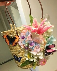 """women concept - 👜beach straw bag/tote """"pretty butterflies are playing in the floral garden"""" ✨🌸✨(approx:bag , handle - is available at Department Golden Pineapple 💁Please PM/emails us for further info📦🎁📦🎁(forest Holiday Travel, Straw Bag, Butterflies, Pineapple, Floral Wreath, Handle, Concept, Tote Bag, Lifestyle"""