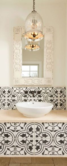 mediteranean bathroom