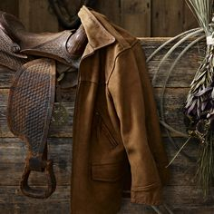 This rugged women's rancher jacket was tailored in leather for protection against the unforgiving elements