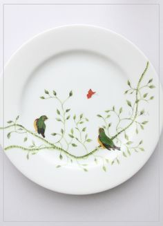 Porcelain Ceramics, China Porcelain, Ceramic Art, House Essentials, Jewelry Drawing, Dinner Plate Sets, China Painting, China Patterns, Spring Home