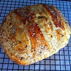 'Everything' Bread *a no knead bread, made in a dutch oven Dough Ingredients: 3 cups King Arthur All Purpose Flour 1 tsp Salt tsp Active Dry Yeast 1 cups Water degrees or your yeasts Dutch Oven Bread, Dutch Oven Cooking, Dutch Oven Recipes, Cooking Recipes, Dutch Ovens, Cooking Games, Italian Bread Recipes, Artisan Bread Recipes, Cooking Ribs