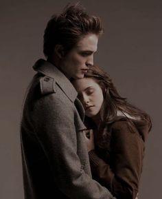Twilight Bella And Edward, Twilight Saga Quotes, Vampire Twilight, Twilight 2008, Twilight Saga Series, Twilight New Moon, Twilight Series, Twilight Movie, Edward Bella