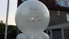 Grote ballonnen kunnen we ook bedrukken met uw eigen tekst of trouwkaart