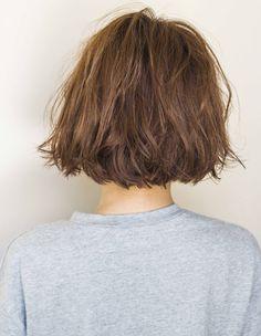 セミウエットイノセントボブ EN-167 | ヘアカタログ・髪型・ヘアスタイル|AFLOAT(アフロート)表参道・銀座・名古屋の美容室・美容院