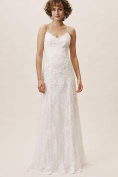 Shop discount wedding dresses and sales from BHLDN. Don't miss out, shop clearance wedding dresses before they're gone! Budget Wedding Dress, Wedding Dresses Under 500, Bhldn Wedding Dress, Inexpensive Wedding Dresses, Wedding Dress Sizes, Cheap Wedding Dress, Elegant Dresses, Bridal Gowns, Wedding Gowns