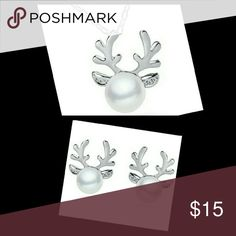 Stunning pearl and CZ antler jewelry bundle Both are available separately in my closet or you can save with this bundle. Stones are simulated. Alloy metal. Stunning set! Jewelry Necklaces