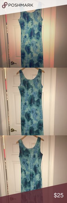 Mary McFadden Long Sleeveless Dress Mary McFadden long flowing sleeveless dress. Size 14. Worn only a few times. Beautiful two tone blue colors which make for a beautiful evening dress. Dresses Maxi
