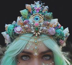10 Goregous Mermaid Crowns to Get You Through the Festival Lull Flower crowns will always have a special place in our hearts; But with mermaid crowns on the rise, they might be a thing of the past. Candy Crown, Seashell Crown, Shell Crowns, Mermaid Crown, Mermaid Hair, Mermaid Makeup, Mermaid Headpiece, Tiaras And Crowns, Pastel Goth